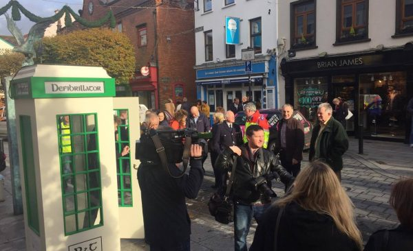 Irish-Telephone-Box-installed-with-defibrillator